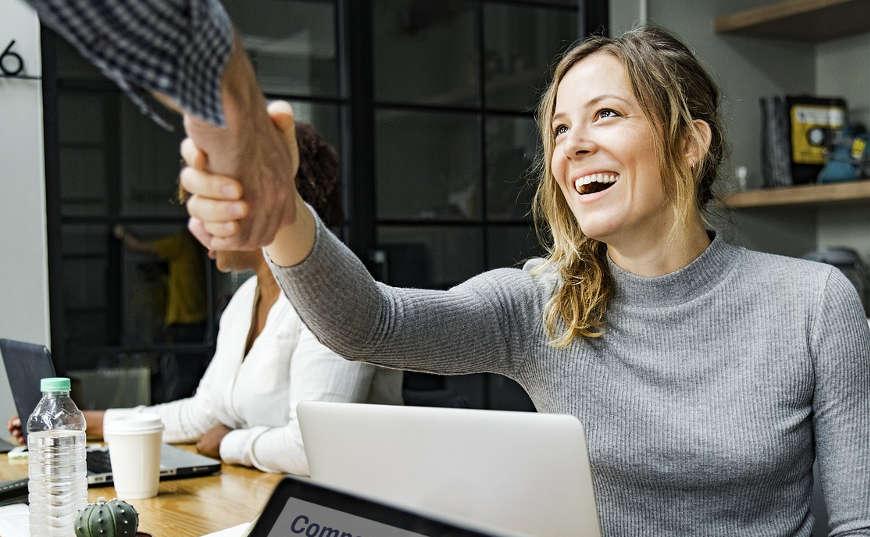 Crear confianza y reputación para historial crediticio