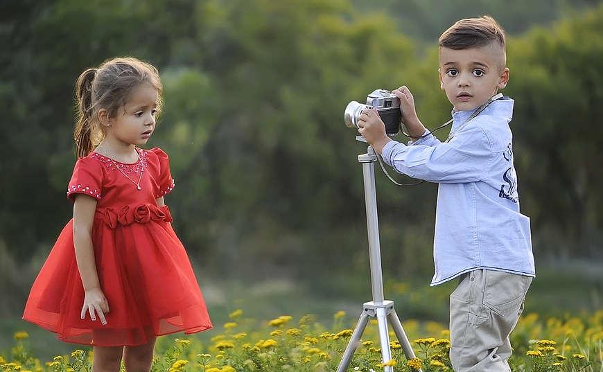 Niño fotógrafo inicia su negocio
