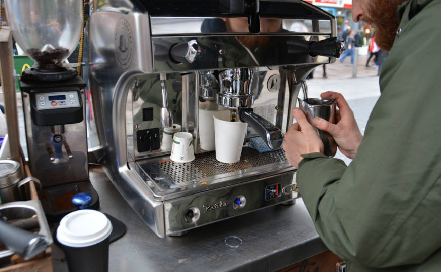 iniciar negocio préstamo gobierno cafetería
