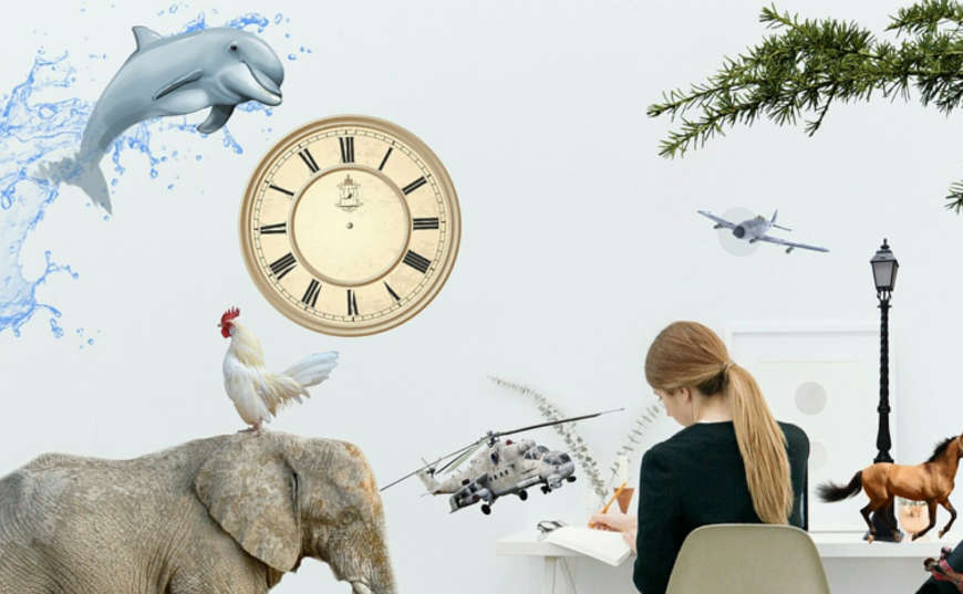 Mujer organiza su tiempo como freelancer