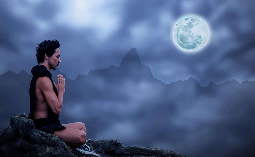 Meditar para controlar los pensamientos