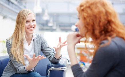 Lenguaje corporal entre mujeres
