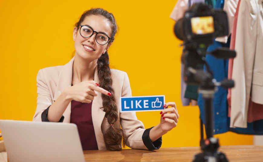 ¿Cómo ganar dinero con redes sociales?