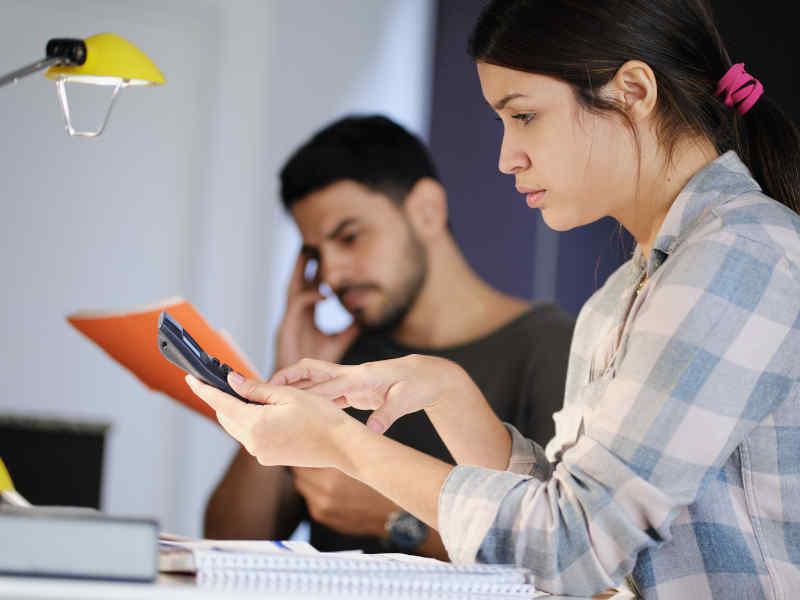Deposito de cheque en aplicaciones móviles ¿qué tan fácil es?