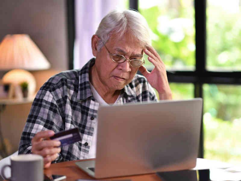 Evita el mal manejo crediticio desechando tu tarjeta de crédito