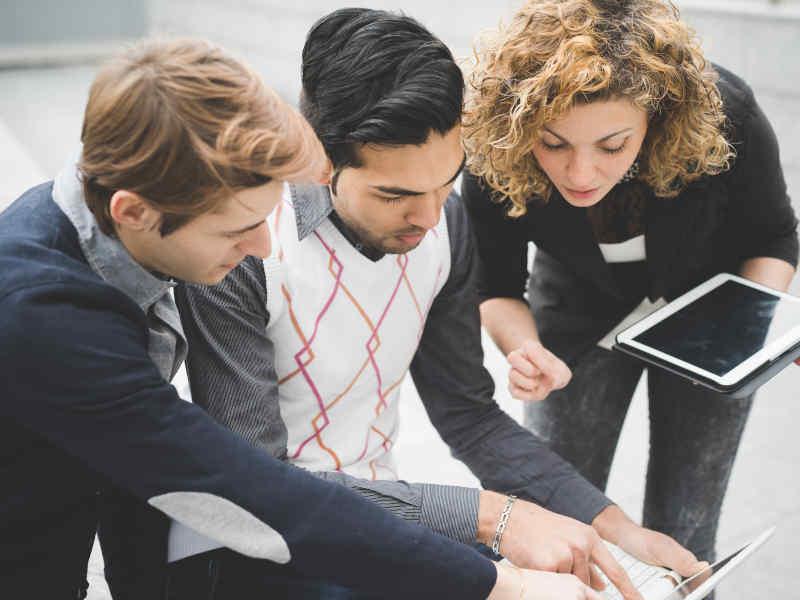 """Grandes consejos financieros para los jóvenes """"millennials"""""""