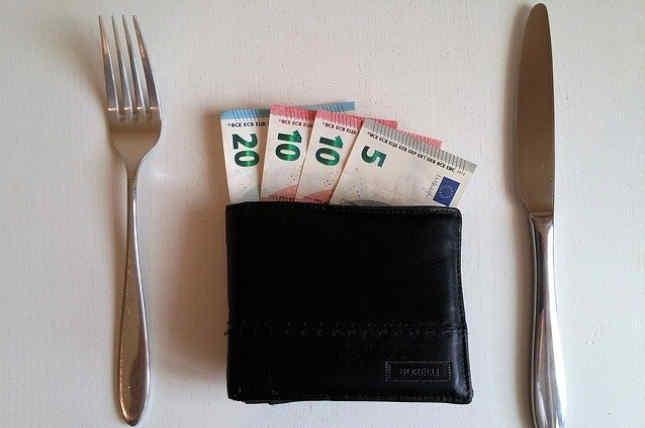 Mantener una estimación de los gastos fundamentales