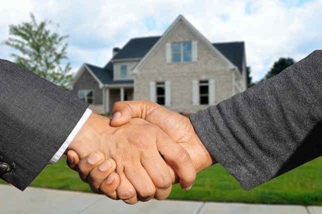 La caída del valor de cada propiedad ¿afectó el presupuesto del condado?
