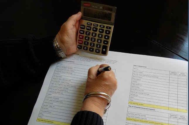Táctica de gastos que te ayudarán a consumir menos y a economizar más